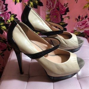 Jessica Simpson heels leather 9.5 nude black shoes